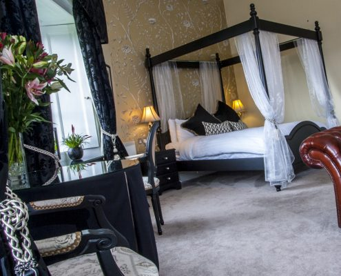 Country House Hotels Scotland, Coul House Hotel Four Poster Master Bedroom, Scottish Highlands.