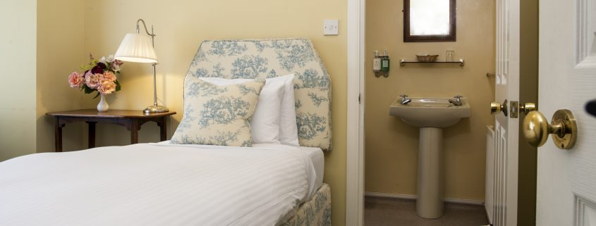 Scottish Highlands Boutique Hotel, small ingle room.