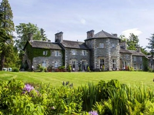 fine wines and dining at Coul House Hotel, Contin, North of Inverness.
